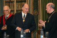 1-Aga Khan at Academy of Sciences of Lisbon May 2009