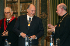 1-Aga Khan at Academy of Sciences of Lisbon May 2009