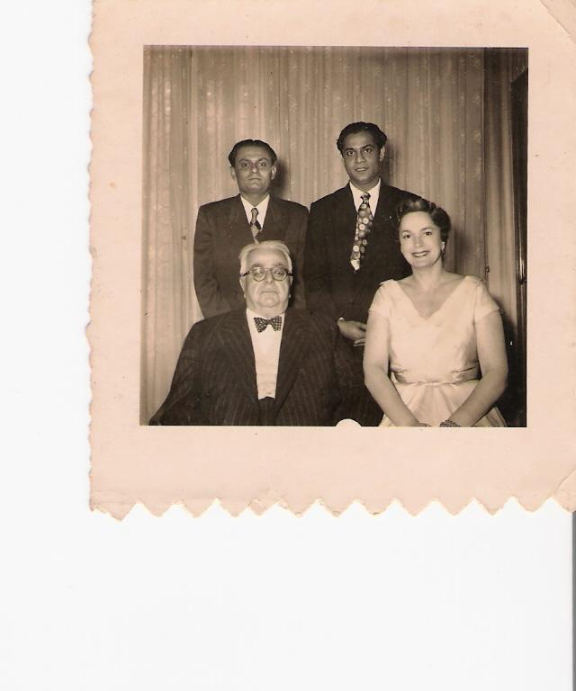 Photograph Nazir Alimohammad and family, Burma - Picture with Imam Sultan Muhammad Shah most likely taken in 1951 or 1952