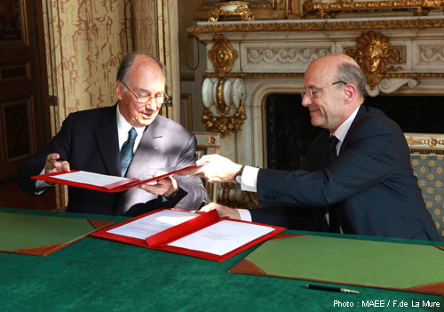Signing of an agreement between the Quai d'Orsay and the International Diplomatic Academy - France-Diplomacy-Ministry of Foreign and European Affairs