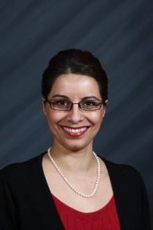 Zahida Esmail receives Health Leader Scholarship and Award