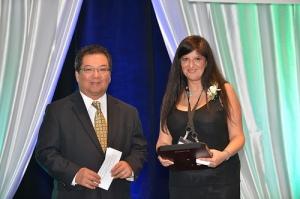 Nafisa Merali receives Pfizer Consumer Healthcare Bowl of Hygeia Award