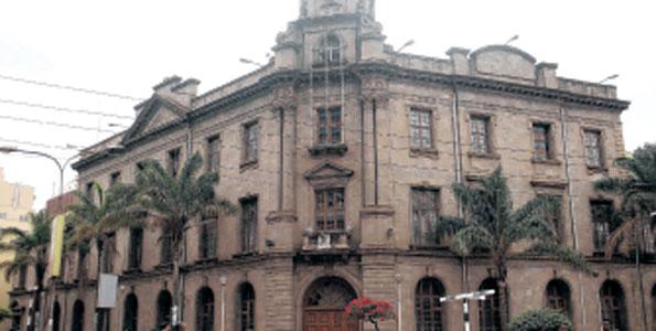 Zahir Dharsee: Nairobi Jamatkhana lit city's night skyline in 1920s