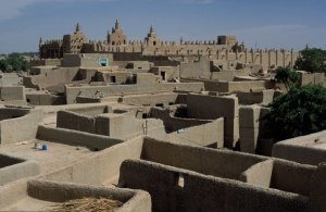 How the City of Mud Stays Standing: Meet the Masons of Djenné, Mali | ArtsIslamica
