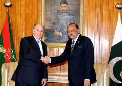 Pakistan: President lauds welfare activities of Prince Karim Aga Khan