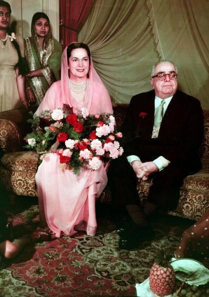Photo Dr Ghulam Nabi Kazi: The Aga Khan III with his radiant wife