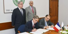 Agence Française de Développement pledges US$16 million loan for expansions at the Aga Khan University