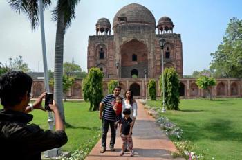 Khan-e-Khanan Tomb: Testament of Mughal's Cultural Heritage