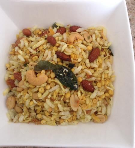 Nasim's recipes (from Cafe Nairobi, Heavenly Bites, and Curry Pot Restaurant of Nairobi)