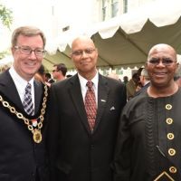 City of Ottawa commemorates the naming of Nelson Mandela Square