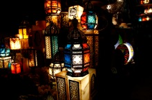 Photo Gallery: Ramadan lanterns adorn Cairo's streets