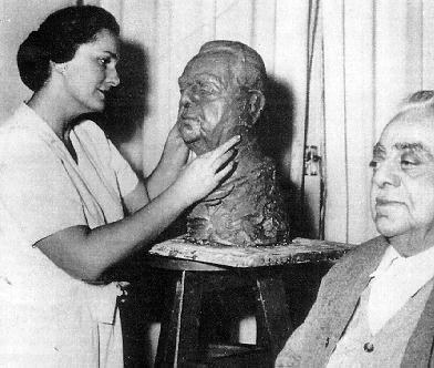His Highness Aga Sir Sultan Muhammad Shah, Aga Khan III and Mata Salamat, Princess Yvonne Aga Khan - Sculpture in the making
