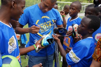 Autographs from Former Arsenal Player and Brazil national team captain Gilberto Silva