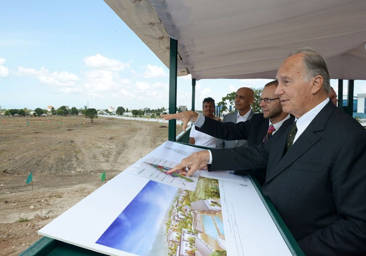 His Highness the Aga Khan, Chancellor of the Aga Khan University, reviewing the master plan and design for a new 42-acre campus on Sam Nujoma Road which will house both the Aga Khan University Institute for Educational Development serving master's level students and an Aga Khan Academy for middle and secondary school students. - Photo: AKDN / Zahur Ramji