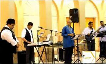 Rahim - Ricky - Meghani's iBand (Ismaili Band)