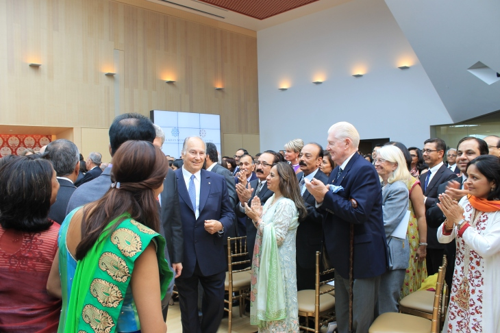 Mowlana Hazar Imam departing after declaring the Ismaili Centre, Toronto open. [Image © Ismailimail/AM]