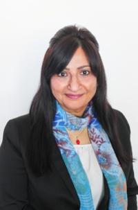Rosmin Bhanji receives University of Calgary WRC Distinguished Alumna Award