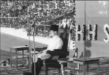 Historical Video: Aga Khan Enthroned In Bombay (1958)