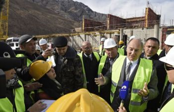 Chancellor University of Central Asia, His Highness the Aga Khan Reviews Progress of Naryn Campus