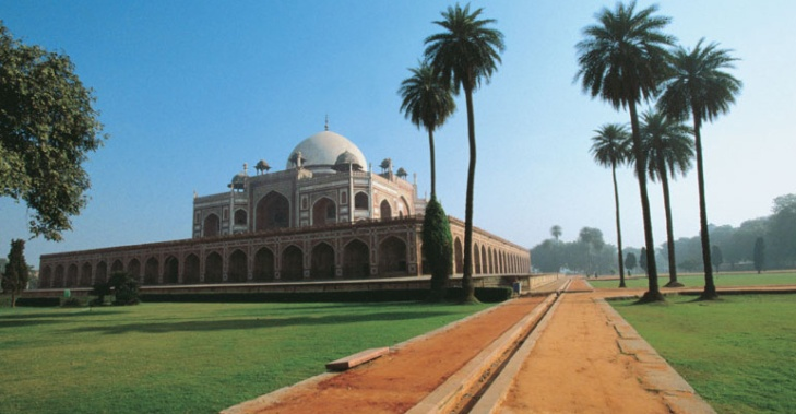 Gardens of the Tomb of the Emperor Humayun  after restoration by the Aga Khan Trust for Culture (Photo AKDN)