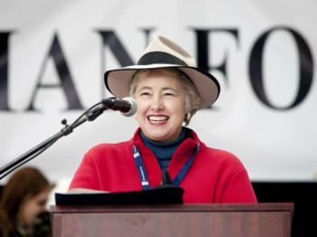 Houston Mayor Annise Parker greets the crowd at Saturday's Aga Khan Partnership Walk. The fundraiser is an official Citizenship Month event.