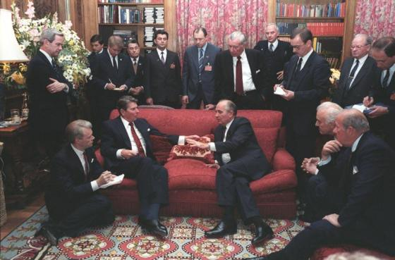 The late US President Ronald Reagan meeting with Soviet General Secretary Gorbachev at His Highness the Aga Khan's Vila (Image via Simerg,.com)