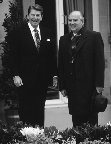 The late US President Ronald Reagan with Soviet General Secretary Gorbachev during 1985 Superpower summit (Image via Macau Daily Times)