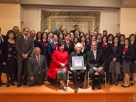 On Saturday November 15, the Right Honourable Kim Campbell, former Prime Minister of Canada, (front row and seated in the middle, holding picture frame) delivered the 2014 Ismaili Centre Lecture at the Ismaili Centre in Vancouver. (Image via Ismaili Institutions for Canada / Azim Verjee and Sultan Baloo)
