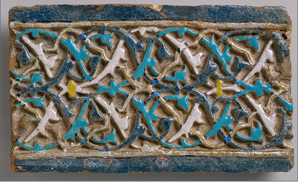 Tile with Arabesque Decoration, early 15th century, Turkey (Image: Metropolitan Museum of Art)