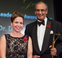 Dr. Diamond Kassum receives Clinician Leadership Award