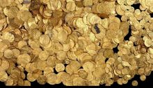 Treasure includes at least 2,000 gold coins from the Fatimid period, approximately 1,000 years ago. Photo by Clara Amit / Israel Antiquities Authority