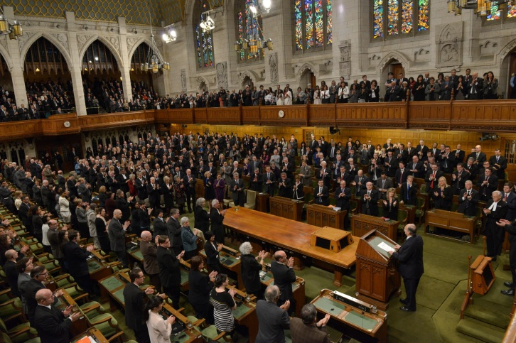 The floor and galleries of the House of Commons of Canada rise in applause for Mawlana Hazar Imam. (Image via TheIsmaili / Zahur Ramji)