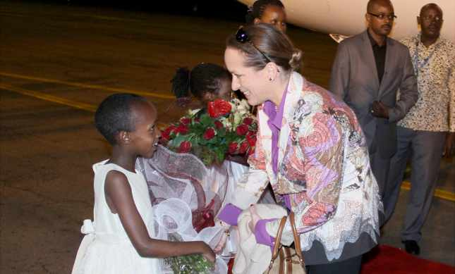 Mawlana Hazar Imam accompanied by Princess Zahra, arrives in Uganda | The Ismaili