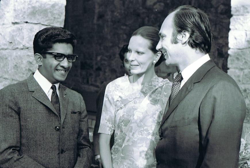 Sultan with Hazar Imam and Begum Salima
