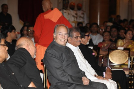 Prince Karim Aga Khan, Others Receive Padam Vibhushan