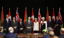 AKDN & Government of Ontario officials join His Highness Prince Karim Aga Khan and Premier Wynne of Ontario during the signing of an historic agreement between the Province of Ontario and the Ismaili Imamat at Queens Park. (Photo: Liberal Party of Ontario)