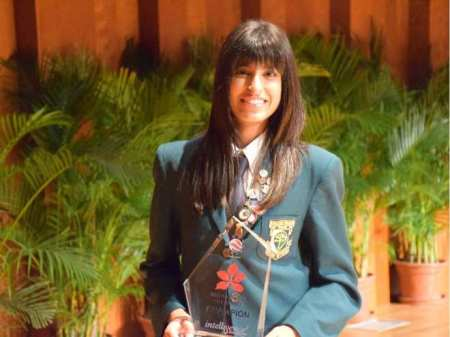 Imaan Kherani: Calgary teen wins world speech competition