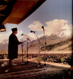 Mawlana Hazar Imam's mulaqat in Ishkashim (Image:The Ismaili)