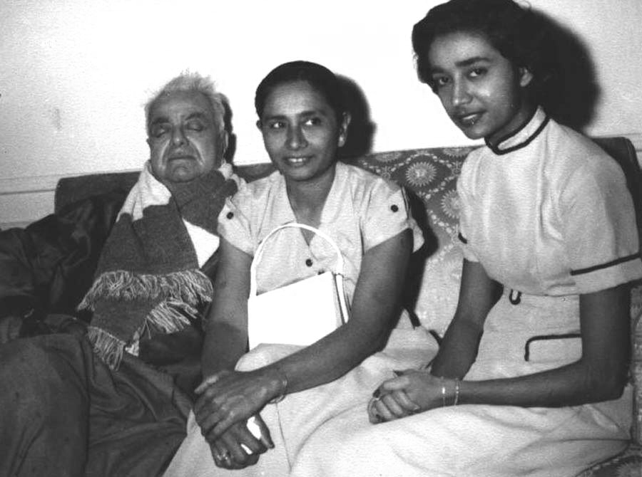Natha Hirji Family members