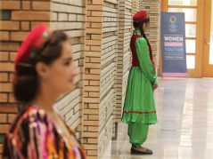 Ismaili Centre, Dushanbe hosts the World Humanitarian Summit - Volunteers in the traditional dress of Tajikistan