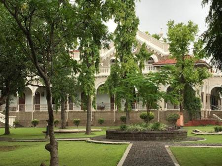 Aga Khan Palace in Pune where the Gandhis were kept under house arrest. (Image Credit: Vinaya Patil/iamin)