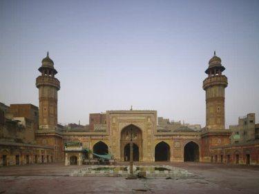 Wazir Khan Mosque (Photo: Archnet)