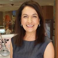 2015 University of Calgary's Distinguished Alumni Award Recipient - Anar Simpson