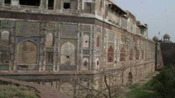 Lahore Fort's historic Picture Wall to be restored by Aga Khan Culture Service Pakistan (Image via Daily Times)