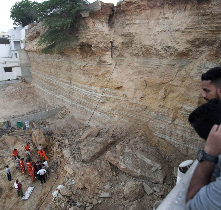 The National Disaster Management Authority in Sindh is working on a curriculum to help people make the right decisions in crisis situations to stay safe (Image via The News)