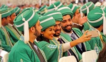 412 students graduate from Aga Khan University