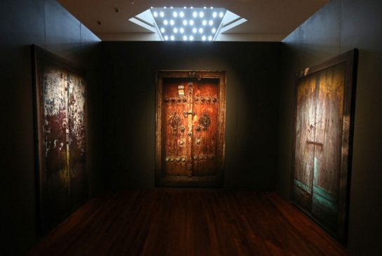 Iranian Filmmaker Abbas Kiarostami's doors explore censorship | Toronto Star