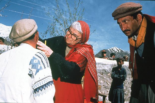 Dr Ruth Pfau examining a patient in Gilgit-Baltistan.