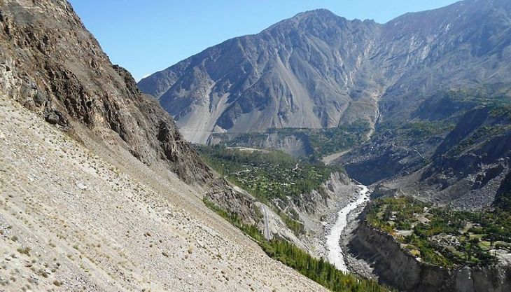 Murtaza_Abad_Hunza,_From_West_In_view_Hunza_River,_KKH_and_front_View_of_HAKUCHAR_NAGAR