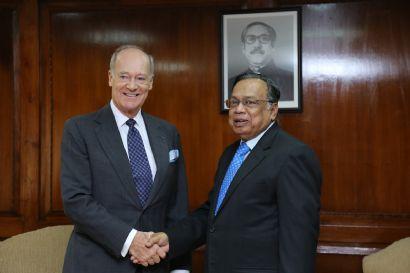 Prince Amyn Aga Khan Presents Credentials to Bangladesh, Visits AKDN Sites